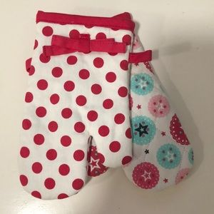 American Girl Oven Mitts